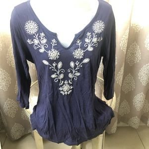 Old Navy embroidered purple 3/4 sleeves top M